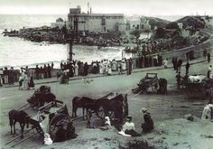 Kalk Bay fishing village from way back when. Cape Colony, City By The Sea, Desert Life, Cape Town South Africa, Table Mountain, Fishing Villages, African History, Old Photos, Vintage Photos