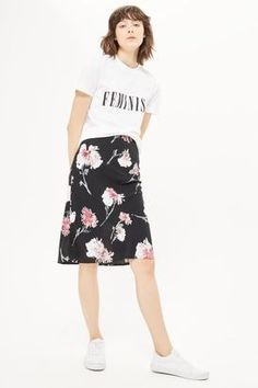Love this floral skirt.
