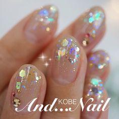 ネイル デザイン 画像 1127725 ベージュ グラデーション ホログラム 春 夏 秋 冬 オフィス ソフトジェル ハンド… - #accentnails #accent #nails