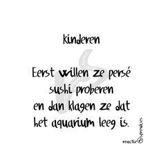 Kinderen & sushi #aquarium #humor
