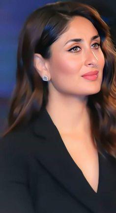 Kareena Kapoor Bikini, Kareena Kapoor Khan, Ranbir Kapoor, Bollywood Photos, Bollywood Girls, Most Beautiful Bollywood Actress, Beautiful Actresses, Karena Kapoor, Fantasy Queen