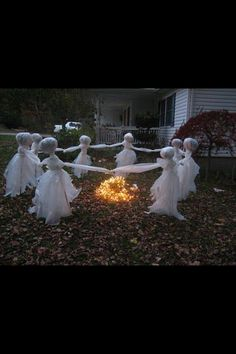 Ghostly yard decorations! Perfect for Halloween!