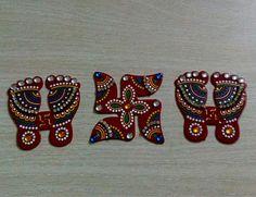 Diwali Decoration Lakshmi pagla with swastik rangoli home decor Diwali gift Lakshmi charan auspicious symbols indian festival Lakshmi pujan Diwali Diy, Diwali Craft, Diwali Gifts, Diwali Decoration Items, Thali Decoration Ideas, Acrylic Rangoli, Home Wedding Decorations, Festival Decorations, Flower Rangoli