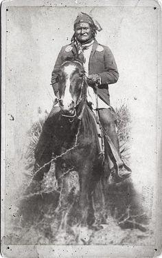 Geronimo on horseback in 1886,