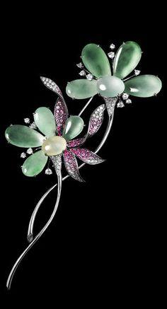 Sapphire броши Edwardian алмазов, жемчуг, сапфир и платина брошь. Платиновый браслет открытой работы с бриллиантами и синими сапфирами в цветочный designI  декоративно-прикладного искусства Ювелирное броши, ЗОЛОТО ок 1920
