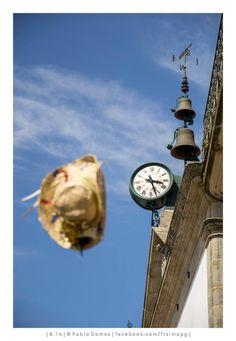 [2014 - Valença do Minho - Portugal] #fotografia #fotografias #photography #foto #fotos #photo #photos #local #locais #locals #europa #europe #turismo #tourism #relogio #reloj #clock #chapeu #sombrero #hat @Visit Portugal @ePortugal