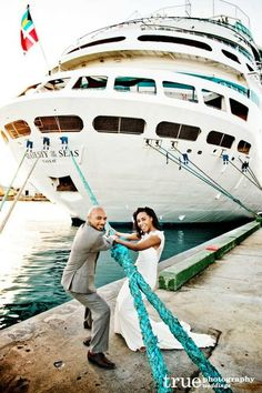 A beautiful destination wedding in the Bahamas on Majesty of the Seas.