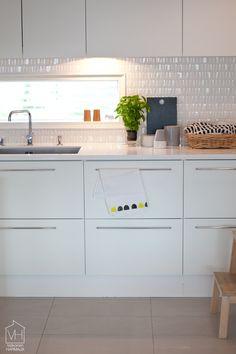 Itsetehty keittiöpyyhe - Valkoinen Harmaja