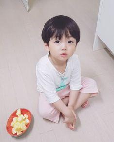 New baby korean jimin Ideas Cute Baby Boy, Cute Little Baby, Little Babies, Cute Boys, Little Boys, Baby Kids, Cute Asian Babies, Korean Babies, Asian Kids