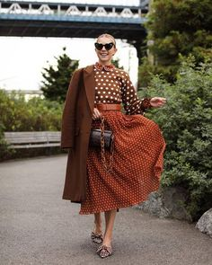 Blair Eadie share the Look Polka dots in all in Trendtation. Quirky Fashion, 70s Fashion, Look Fashion, Timeless Fashion, Winter Fashion, Fashion Outfits, Womens Fashion, Casual Outfits, Looks Style