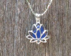 Mar de collar cristal Lotus flor plata Yoga joyería por WaveofLife