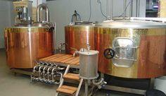 Sallands Landbier wordt gebrouwen onder toeziend oog van Johan en Ruud welke hun sporen in het ambachtelijk bierbrouwen ruimschoots hebben verdiend.
