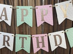 Banner de feliz cumpleaños de rosa y oro cumpleaños de rosa y