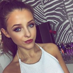Pretty Makeup And White Halter Pretty Makeup, Makeup Looks, Youtubers, Chloe, Make Up, Instagram Posts, Makeup Ideas, Beauty, Faces
