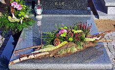 Funeral arrangement made by me - Kirsten Dingemans-Heijlaerts Grave Flowers, Cemetery Flowers, Funeral Flowers, Unique Flower Arrangements, Funeral Flower Arrangements, Deco Floral, Arte Floral, Cemetary Decorations, Gardening Magazines