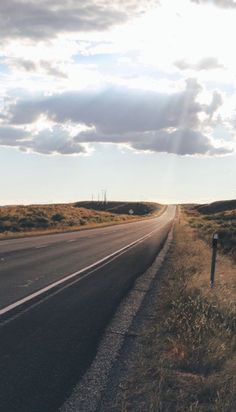 Road Trip Miles Through 12 National Parks – Voyages & Paysages – Somewhere Beautiful Roads, Beautiful Places, Foto Top, Belleza Natural, Adventure Is Out There, The Places Youll Go, The Great Outdoors, Wonders Of The World, National Parks