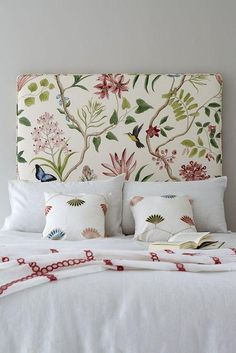 5 Elements to Perfect the Botanical Interiors Trend - Home Artisan Botanical Bedroom, Botanical Interior, Home Bedroom, Bedroom Decor, Bedroom Ideas, Headboards For Beds, Fabric Headboards, Upholstered Headboards, Homemade Headboards