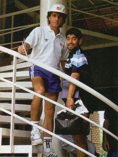 Ruggeri & Maradona Retro Pictures, Soccer Players, Messi, Baseball Cards, Fifa, Walt Disney, Adidas, Tv, Instagram