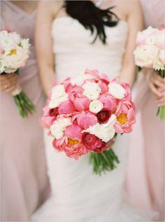 #whitebouquet #pinkbouquet @weddingchicks