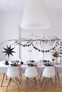 Creative #Table Decoration für #Christmas. Moderner Festtisch in der ...  #christmas #creative #decoration #festtisch #moderner #table