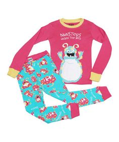 A cool graphic and print mix and match to perfection on this sweet dream of a combo. Fitting nice and snug, the top and bottoms easily slip on to get cuties ready for a fabulously well-rested night. Note: For your children's safety, this item is designed to fit snugly as it is not flame-resistant.