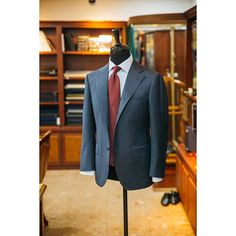 "vanni_official - ""  Blue herringbone & #Burgundy tie  #menswear#mensfashion#mensdaily#bespoke#suit#atlier#korea#seoul#tailor#tailored#sartoria#menstyle#vanni#vannibespoke#반니#비스포크#맨즈웨어#반니비스포크#spring  """