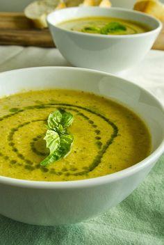 Zucchini und Süßkartoffel-Suppe