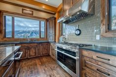 Ski Ridge Timber Frame Design – Streamline Design Kitchen Dining, Kitchen Cabinets, Dining Room, Wrap Around Deck, Open Concept Kitchen, Home Builders, Great Rooms, Skiing, Patio