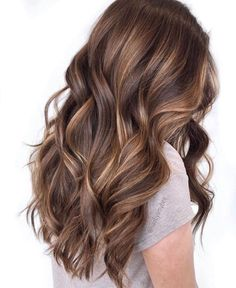 Brown Hair Balayage, Brown Blonde Hair, Hair Color Balayage, Hair Highlights, Caramel Balayage, Medium Brown Hair With Highlights, Light Brunette Hair, Brunette Hair Color With Highlights, Brunette Low Lights