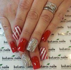 Red Christmas Nails, Xmas Nails, Red Nails, Christmas Candy, Simple Christmas, Christmas Time, Holiday Nail Art, Christmas Nail Art Designs, Elegant Nail Designs