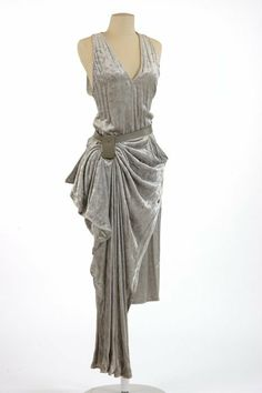 Save those thumbs Gypsy Fashion, Vintage Fashion, Women's Fashion, Anne Marie Beretta, Corsage, Site Officiel, Vintage Couture, Draped Dress, Mode Vintage