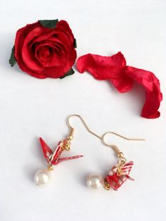 Pierced earrings of the crane made of the Japanese by Kawaii1One