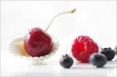Rote Früchte des Sommers Bilder: Poster von Tanja Riedel bei Posterlounge.de