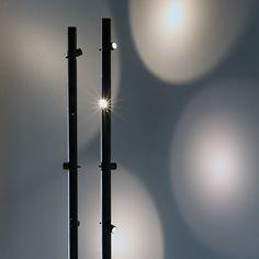 Luminária de pé LED giratório