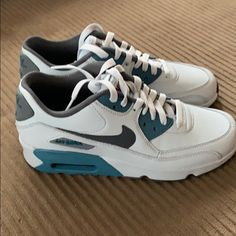 los angeles cae66 c14cc Nike Shoes   Nike Air Max   Color  Blue Gray   Size  6.5