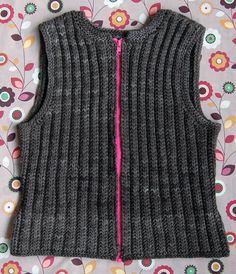 really neat vest. Not sure if I want to dare the zipper or not, but it's a quick knit:)