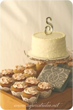 Rustic wedding cupca