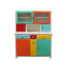Buffet multicolore - Vintage People                                                                                                                                                                                 Plus                                                                                                                                                                                 Plus