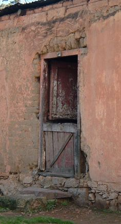 From an old slave's cottage in Genadendal, a remote village in the Western Cape. Photographer: Suzi-k of Arty Fartying Around. This doorway is in South Africa. Pictures To Paint, Art Pictures, South Africa Beach, All About Doors, South Afrika, Old Houses, Farm Houses, Door Detail, Old Mansions