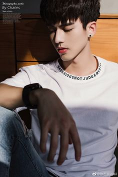 Cute Korean Boys, Asian Boys, Home Studio Photography, Photography Poses, Beautiful Boys, Pretty Boys, Cool Poses, Asian Celebrities, Chinese Boy