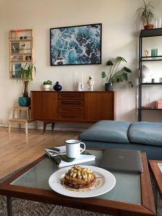 Skjenk i teak | FINN.no Retro Furniture, Entryway Bench, Home Decor, Entry Bench, Hall Bench, Decoration Home, Room Decor, Home Interior Design, Home Decoration