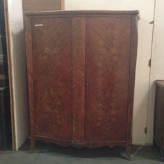 armoire louis xv deux portes dormant central en placage bois de rose XX siècle
