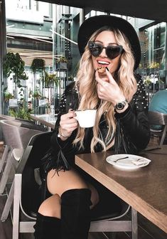 Fashion, wallpapers, quotes, celebrities and so much Good Morning Coffee, Coffee Break, Sweet Coffee, Coffee Girl, Coffee Drinks, Photoshoot, Celebrities, Beauty, Beautiful