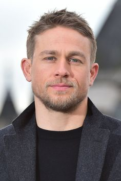 02/16/17 - 'Lost City of Z' London Photocall - 026 - Charlie Hunnam FAN | charlie-hunnam.net | charliehunnamfan.com |