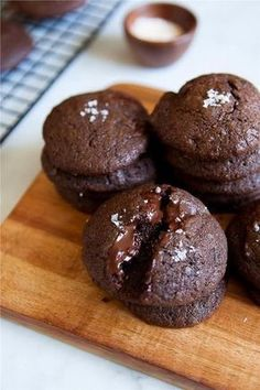 Paleo Double Chocolate Sea Salt Cookies / made with almond flour and sweetened with sugar Cookie Desserts, Just Desserts, Cookie Recipes, Delicious Desserts, Dessert Recipes, Yummy Food, Think Food, Love Food, Holiday Baking