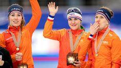 Vrijdag 10 febr 2017. Vrouwen in zeer snelle tijd naar winst achtervolging. Met een fenomenale tijd van 2.55,85 hebben Ireen Wüst, Marrit Leenstra en Antoinette de Jong de wereldtitel op de ploegenachtervolging gegrepen.