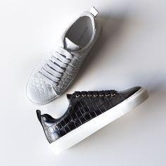 Os sneakers da COxLAB Marques'Almeida não podem faltar na sua coleção FW15/16. #eurekashoes #marquesalmeida #sneakers #fw15 #velvet