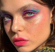 Eye Makeup Art, Blue Makeup, Pretty Makeup, Eyeshadow Makeup, Makeup Inspo, Makeup Ideas, Neon Eyeshadow, Makeup Guide, Makeup Kit