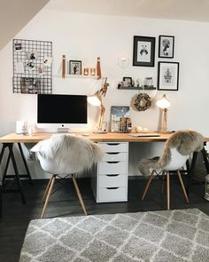 Spring decoration: the best ideas and instructions! Even in the home office it is getting cozy now ! Candles on, cosiness pure ! Study Room Decor, Room Setup, Room Decor Bedroom, Home Office Setup, Home Office Space, Workspace Inspiration, Room Inspiration, Office Interior Design, Office Interiors
