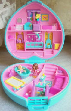 toys Vintage Polly Pocket Babytime fun set w dolls Bluebird Toys 90s Toys, Retro Toys, Vintage Toys, Baby Girl Toys, Toys For Girls, Doll Toys, Barbie Dolls, Polly Pocket World, Homemade Books